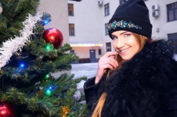 Melissa Grand (27ans, souple gymnaste ! / 17/12/2017) HD 720p