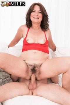 Kelly Scott - Kelly Scotts first time...she has a very hairy pussy! (2018) FullHD 1080p
